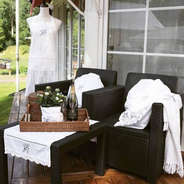 Vackra möbel och klassisk inredning till den som älskar att pyssla om hemmet.