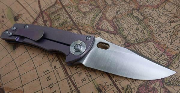 Knivar finns det gott om, stora som små, hos knivshop.se.