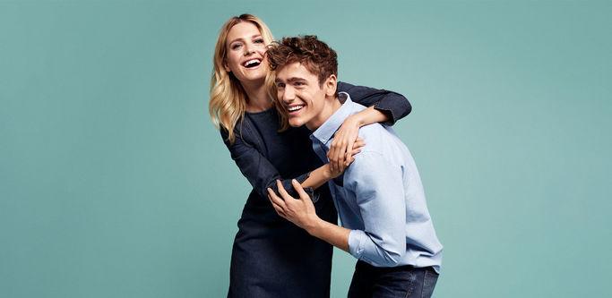 MQ har kläder för både kvinnor och män.