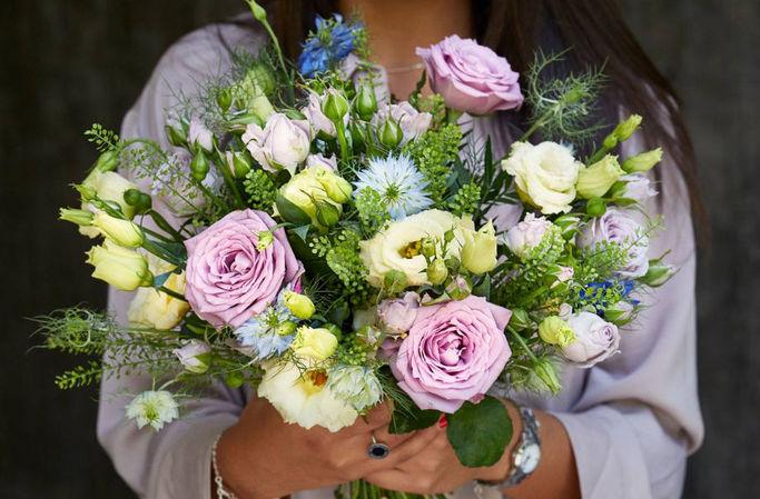 Blombuketter för alla tillfällen hos Euroflorist.