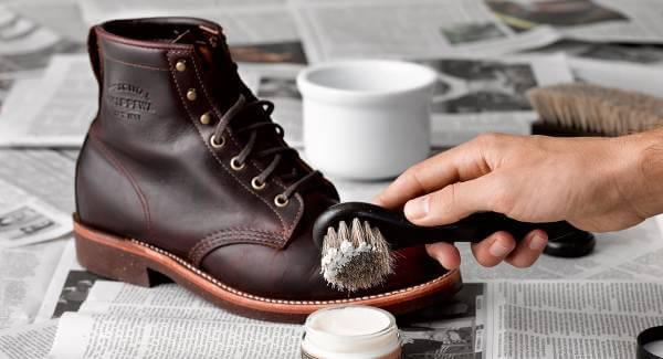 Tips på om hur du bäst håller skorna rena hittar du på bloggen.