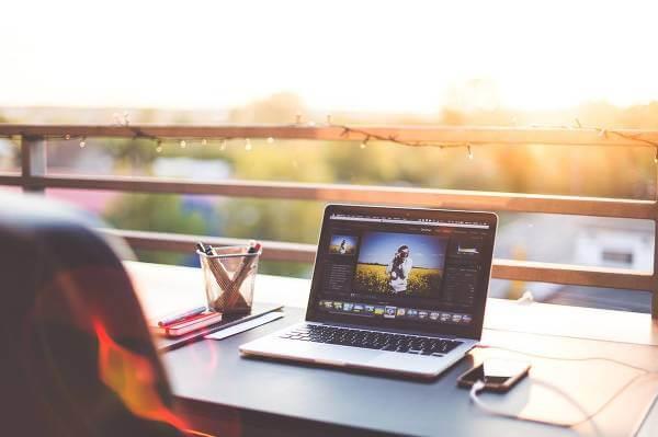 Var skyddad oavsett om du betalar produkter online, laddar ner filer eller bara surfar på internet.