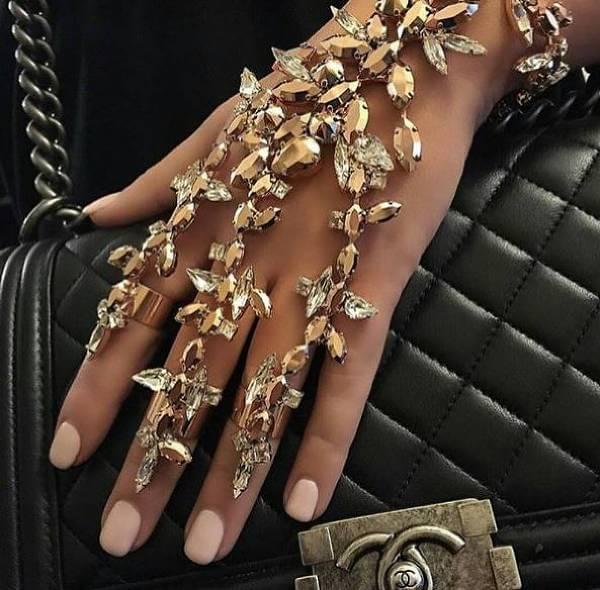 Annorlunda och häftiga smycken hos Cocoo.
