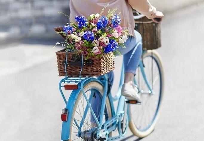 Få dina blommor skickade samma dag hos EuroFlorist.
