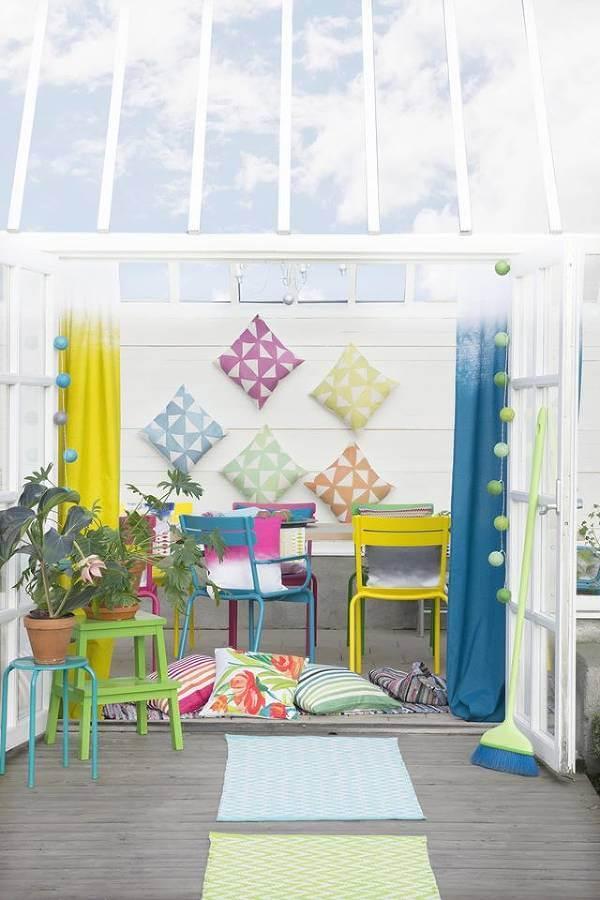 Med hjälp av reasortimentet kan man unna sig några extra produkter. Varför inte pimpa trädgården eller terrassen med nya textilier?