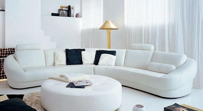 Förutom soffor hittar man även inredning, belysning och mattor m.m. i LUXis butik.