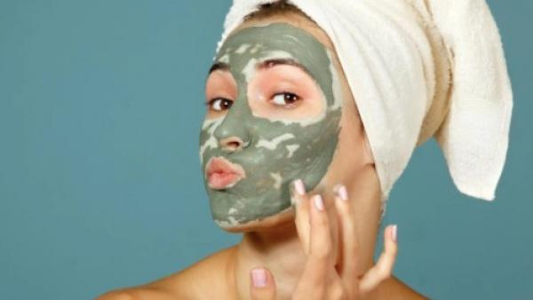 En ansiktsmask hos Babyface